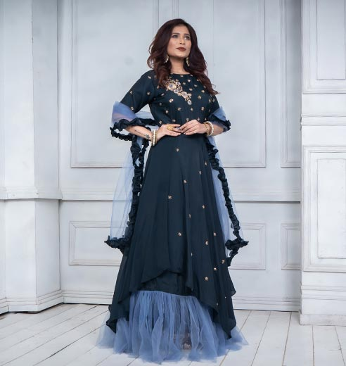 Khawaish - Latest collection of fashion wear.It is work of art by skillful artisans.
